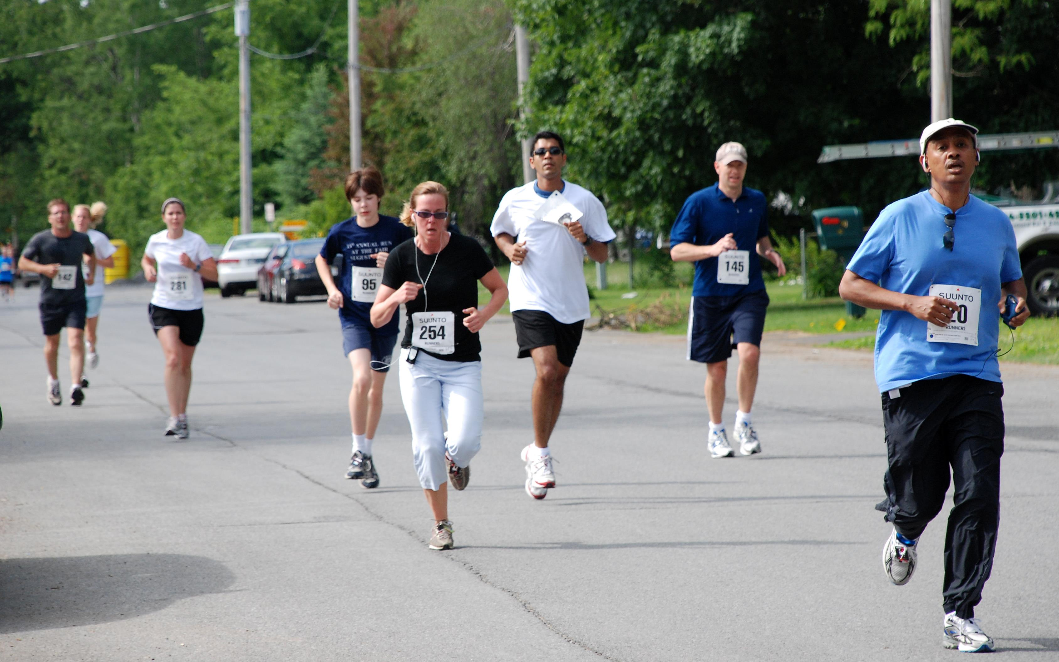 people-running-in-a-race